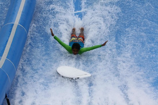 Flow House Bangkok: BodyBoarding tricks are easy and fun!