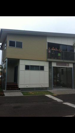 Brisbane Holiday Village:                   Penthouse Cabin