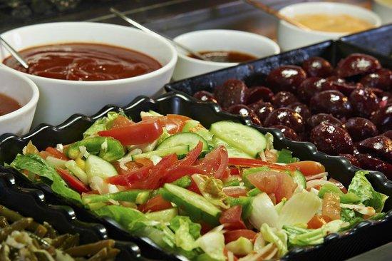 ออลซีซั่นส์ออลบานี่โฮเต็ล: Salad Bar