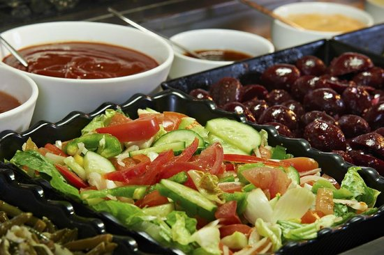 Ibis Styles Albany: Salad Bar