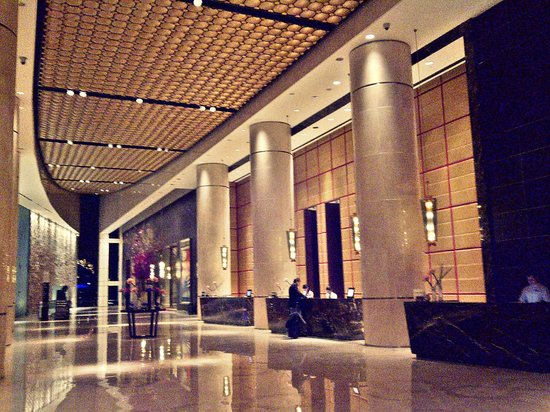 InterContinental Dubai Festival City: Main lobby.