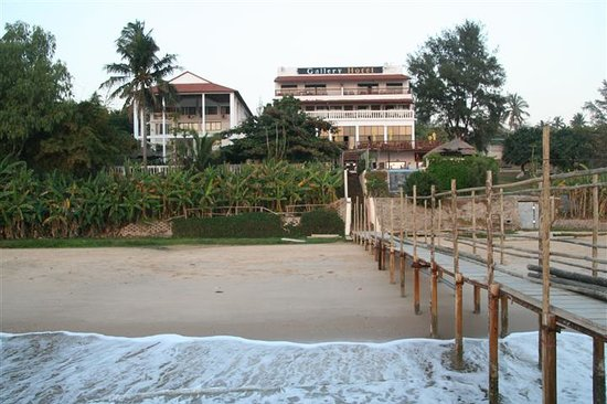 Catembe Gallery Hotel: Beach