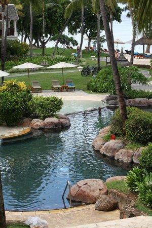 Hilton Mauritius Resort & Spa:                   la piscine (une petite partie)