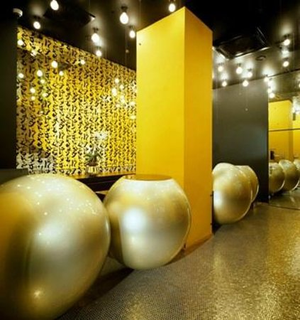 Perla Hotel: Special design of hotel reception