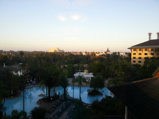 Loews Royal Pacific Resort at Universal Orlando:                   View from Floor 6, Tower 3 Elevator Station