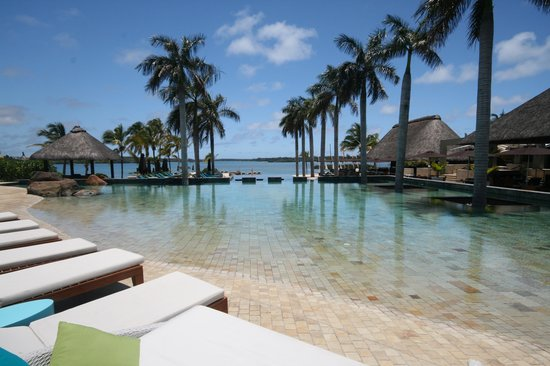 Four Seasons Resort Mauritius at Anahita:                   la piscine