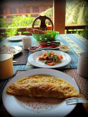 Bayon Garden Guesthouse:                   our breakfast! yummy