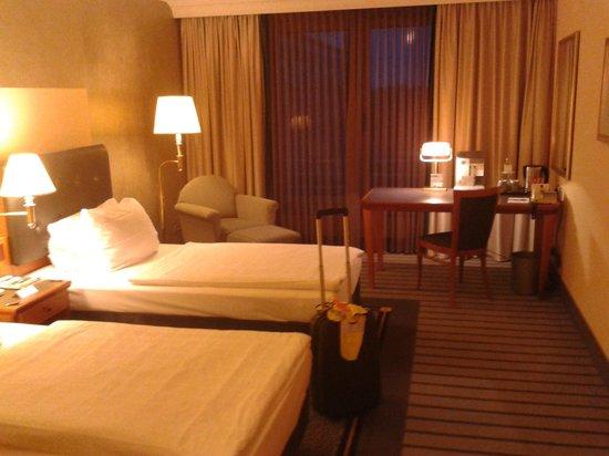 Arcadia Grand Hotel Dortmund:                   July