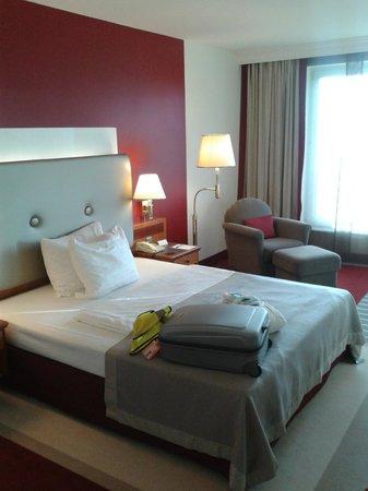 Arcadia Grand Hotel Dortmund:                   September