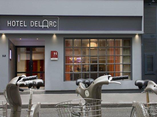 Hotel Delarc: Front