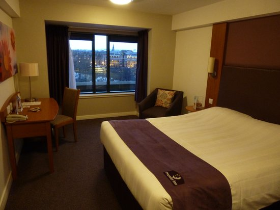Premier Inn Edinburgh City Centre (Princes Street) Hotel:                   Chambre
