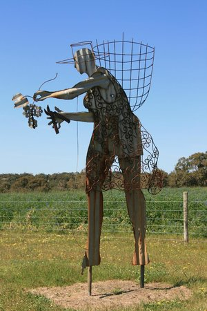 Taste The South Wine Tours: Vineyard Art