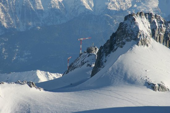 Vallee Blanche:                                     View from Aguille du Midi to Ponte Hellbronner in Italy    