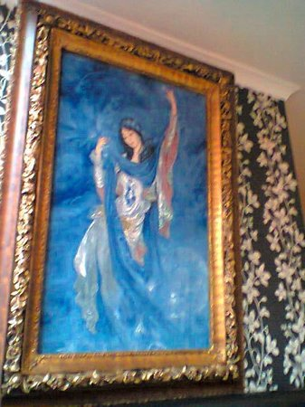 Piccolo Restaurant:                                     Lovely picture on the wall