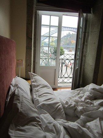 Pestana Vintage Porto:                   Cais da Ribeira ao amanhecer
