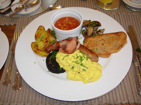 Beechborough B&B: Lizzie's full english breakfast