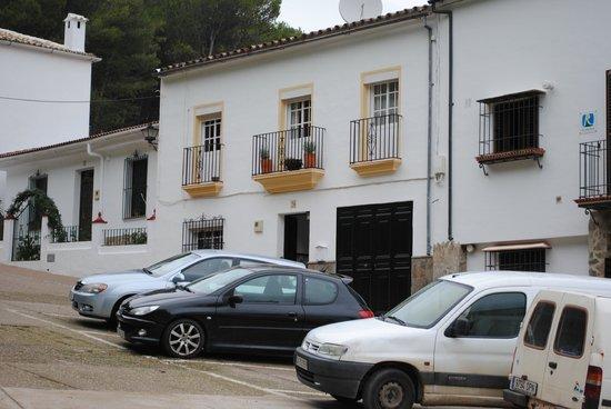 El Gastor Village Lodgings B&B:                   View from outside