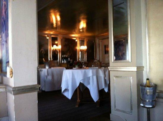 D cor int rieur picture of laperouse paris tripadvisor for Decoration interieur paris