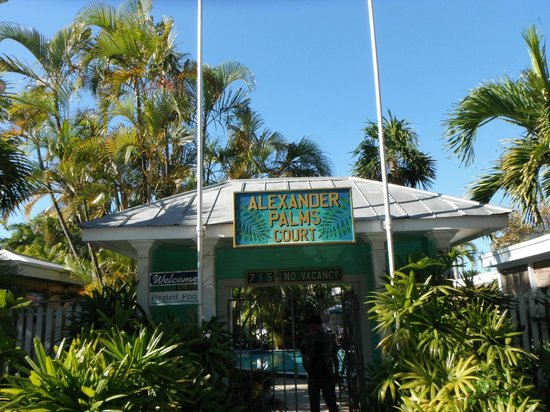 Alexander Palms Court:                   Entrance