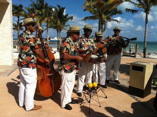 Villa del Palmar Cancun Beach Resort & Spa:                   10