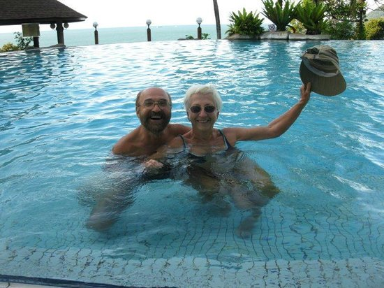 Damai Beach Resort: We enjoy the hilltop pool