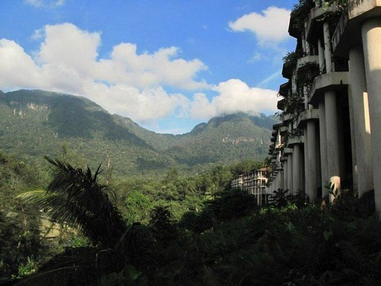 Damai Beach Resort: Hilltop rooms with view on Mount Santubong