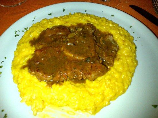 Osteria La Piola:                   risotto giallo con l'ossobuco