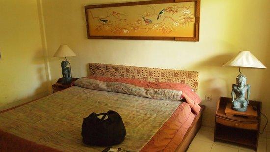 DePradha Guest House :                   Bett