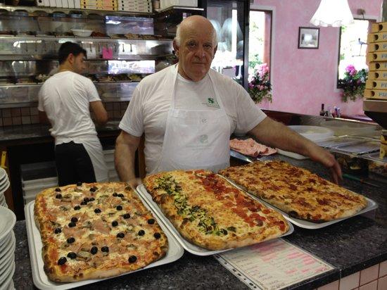 Lignano Pineta, Italien: Pizza! Mezzo metro!