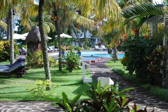 Mont Choisy Coral Azur Beach Resort:                   giardino