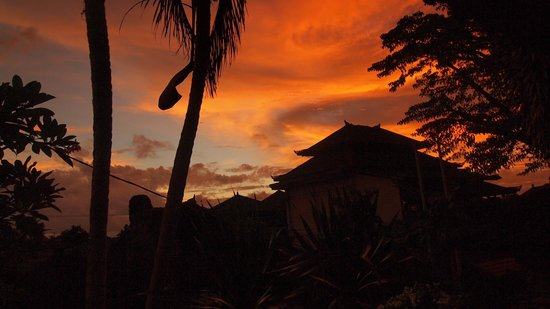 DePradha Guest House :                   Sonnenuntergang