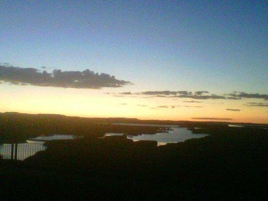 Karoo Pandok:                   D.H Steyn bridge overlooking the Orange river