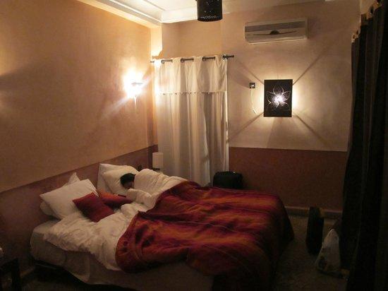Riad des Etoiles :                   Room Djamel