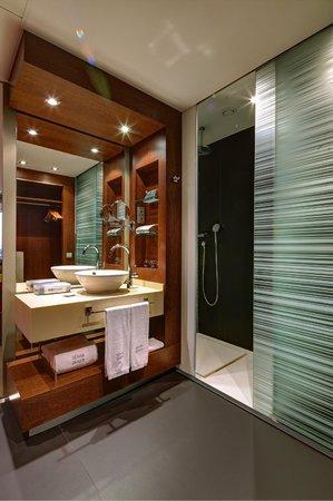 Hotel Olivia Plaza: Ducha habitación doble