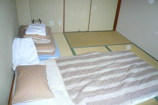 Kyoto Hana Hostel:                   habitacion doble estilo japones