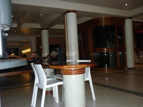 Hotel Pacifico:                   Loby