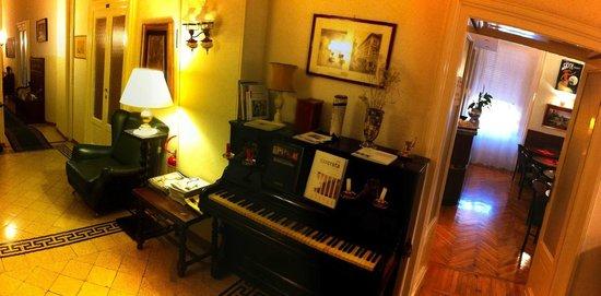 Albergo Garisenda: lounge