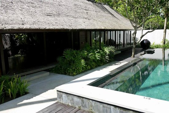 Kayumanis Jimbaran Private Estate & Spa:                   Room next to the pool