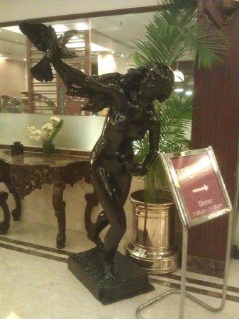 Kenilworth Hotel, Kolkata: Skulptur