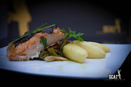 SCAT Funchal Music Club & Restaurant: Filete de Salmão Grelhado