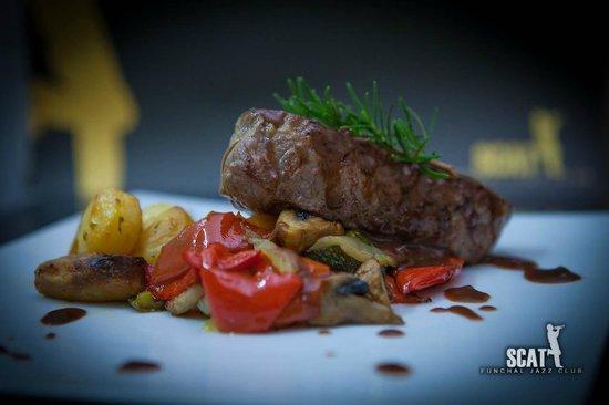 SCAT Funchal Music Club & Restaurant: Naco de Novilho, um dos nossos