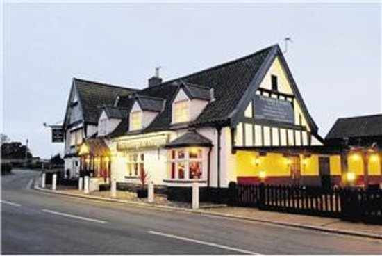 Thurton, UK:                   the George and dragon