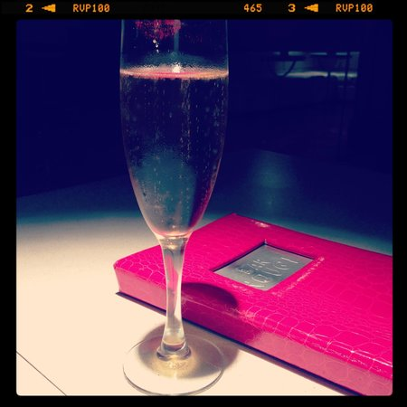 Kimpton Rouge Hotel:                   bubbles at the restaurant