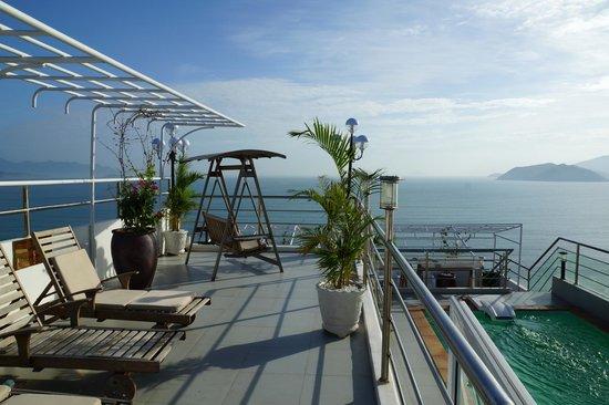 Ruby Hotel Nha Trang :                   Вид с крыши, просто красиво