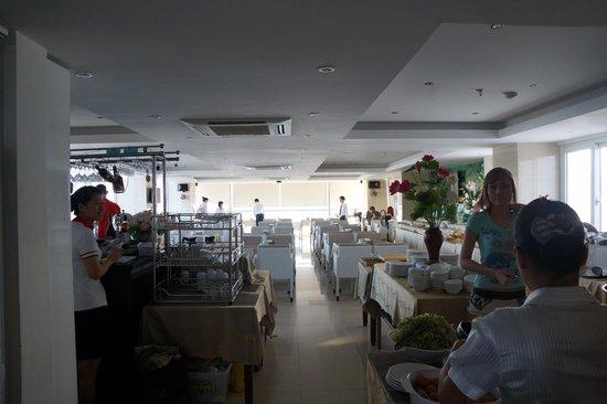 Ruby Hotel Nha Trang :                   Столовая 13 этаж, вход
