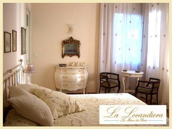 La Locandiera: chambre PALMA trois fenetre sur  la mer!!