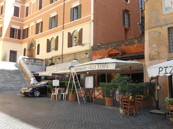 Fontana Hotel :                   Our favorite resturaunt in Rome