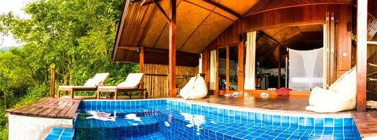 The Place Luxury Boutique Villas : Poolside