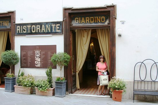 Ristorante Sabatini : View from the front