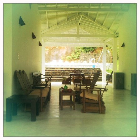 Beach Grove Villas:                   Zona Relax esterno